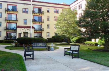 300 Ocean, Ocean City, New Jersey 08226, 2 Bedrooms Bedrooms, ,1 BathroomBathrooms,Co-op,For Sale,Ocean,11751