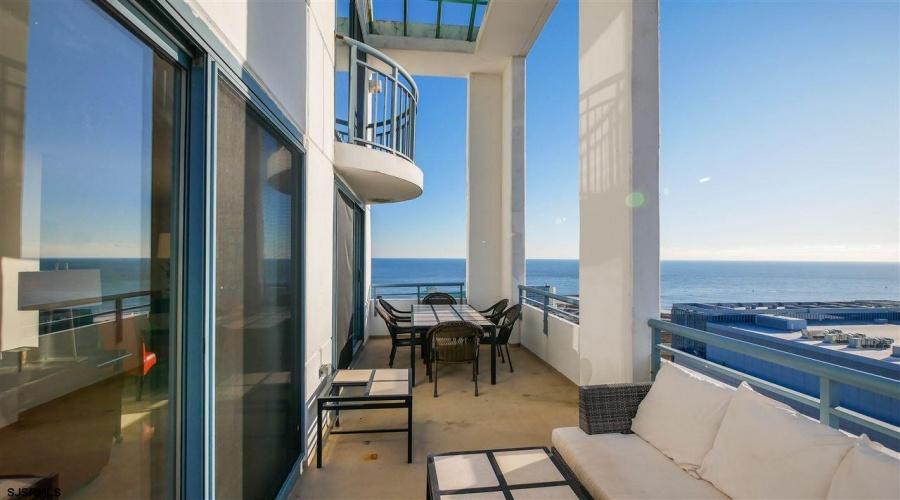 526 Pacific, Atlantic City, New Jersey 08401, 3 Bedrooms Bedrooms, ,3 BathroomsBathrooms,Condo,For Sale,Pacific,13801