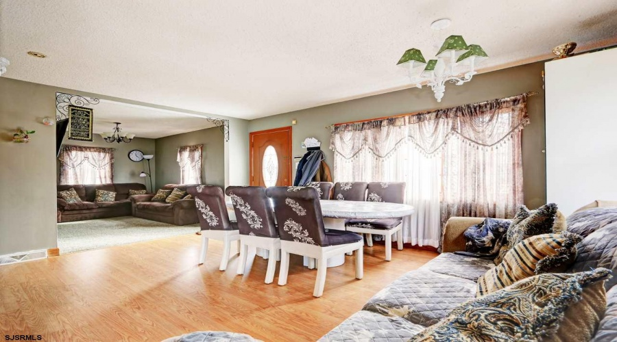 271 New Rd, Absecon, New Jersey 08201, 5 Bedrooms Bedrooms, ,2 BathroomsBathrooms,Single Family,For Sale,New Rd,15035