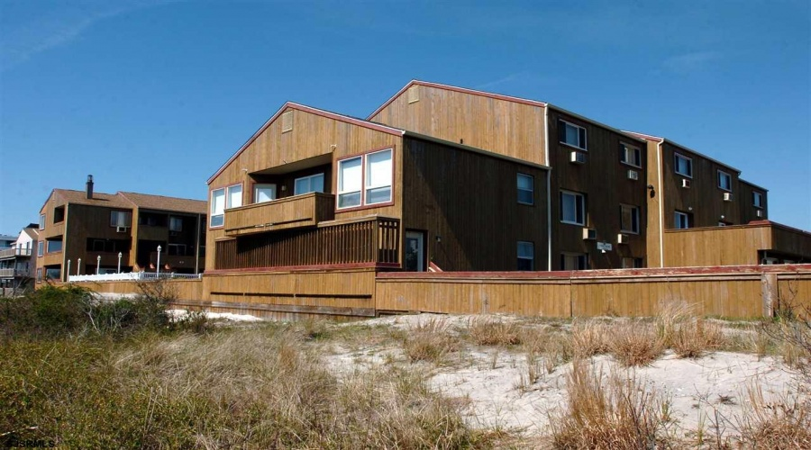 330 42nd St South, Brigantine, New Jersey 08203, 1 Bedroom Bedrooms, ,2 BathroomsBathrooms,Condo,For Sale,42nd St South,15193