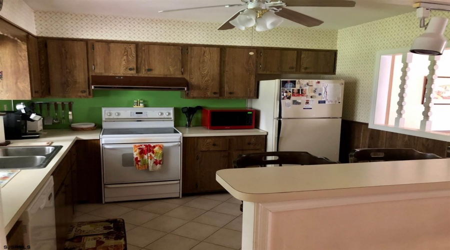 40 Village Drive, Somers Point, New Jersey 08226, 3 Bedrooms Bedrooms, ,1 BathroomBathrooms,Single Family,For Sale,Village Drive,16340