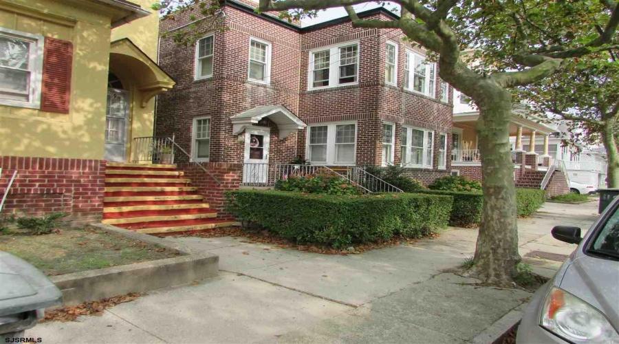 11 Richmond, Atlantic City, New Jersey 08401, 3 Bedrooms Bedrooms, ,1 BathroomBathrooms,Apartment (rental),For Sale,Richmond,17525