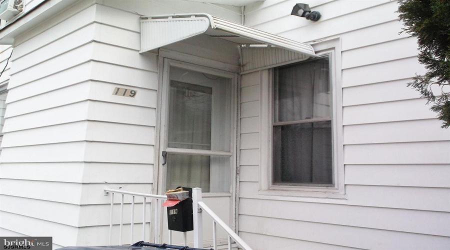 119 Broad, Bridgeton, New Jersey 08302, 2 Bedrooms Bedrooms, ,1 BathroomBathrooms,Apartment (rental),For Sale,Broad,17637