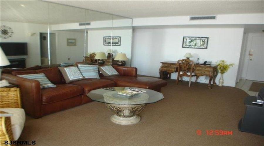 9100 Beach- Margate- New Jersey 08402, 2 Bedrooms Bedrooms, ,2 BathroomsBathrooms,Condominium (rental),For Sale,Beach,17860
