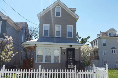 34 Vermont, Atlantic City, New Jersey 08401, 5 Bedrooms Bedrooms, ,3 BathroomsBathrooms,Single Family,For Sale,Vermont,5736