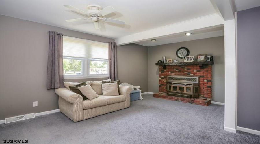 2123 Oak Avenue, Northfield, New Jersey 08225, 3 Bedrooms Bedrooms, ,2 BathroomsBathrooms,Single Family,For Sale,Oak Avenue,1652